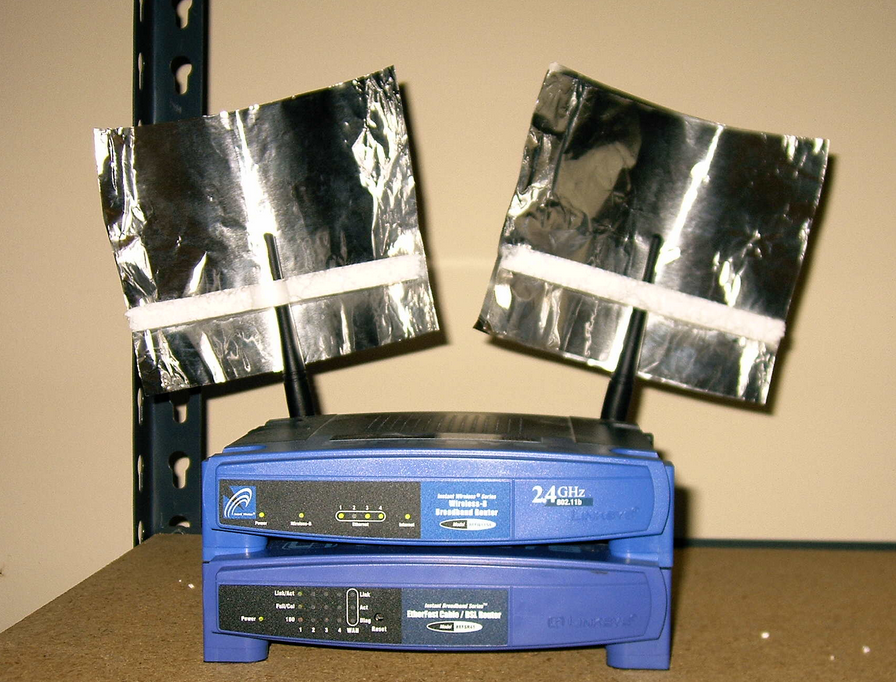 Boost your WiFi Signal Strength Using This Tin Foil Hack | 9Mood